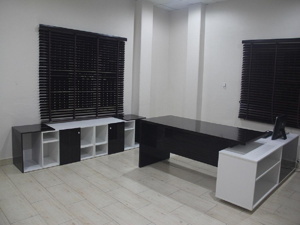 Sleek Office Desk