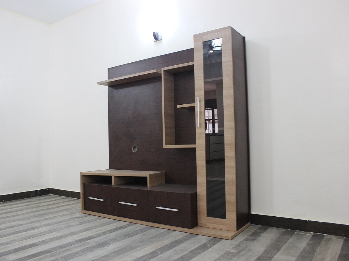 Free-Standing TV Pannel